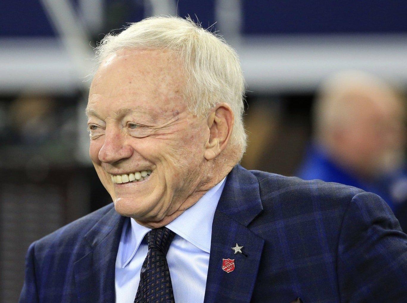 Jerry Jones, proprietário e general manager do Dallas Cowboys