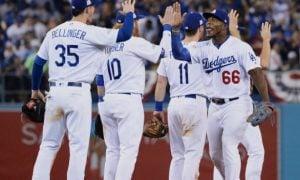Jogadores do Los Angeles Dodgers comemorando
