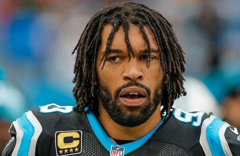 Julius Peppers, linebacker do Carolina Panthers