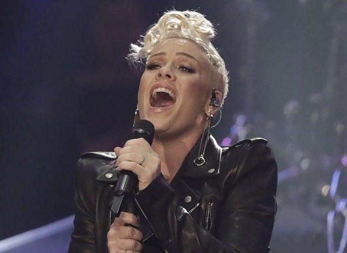 P!nk (ou Pink), cantora pop norte-americana