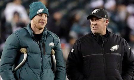 Carson Wentz, quarterback do Philadelphia Eagles, e técnico Doug Pederson
