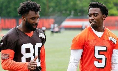 Jarvis Landry, wide receiver do Cleveland Browns, e o quarterback Tyrod Taylor