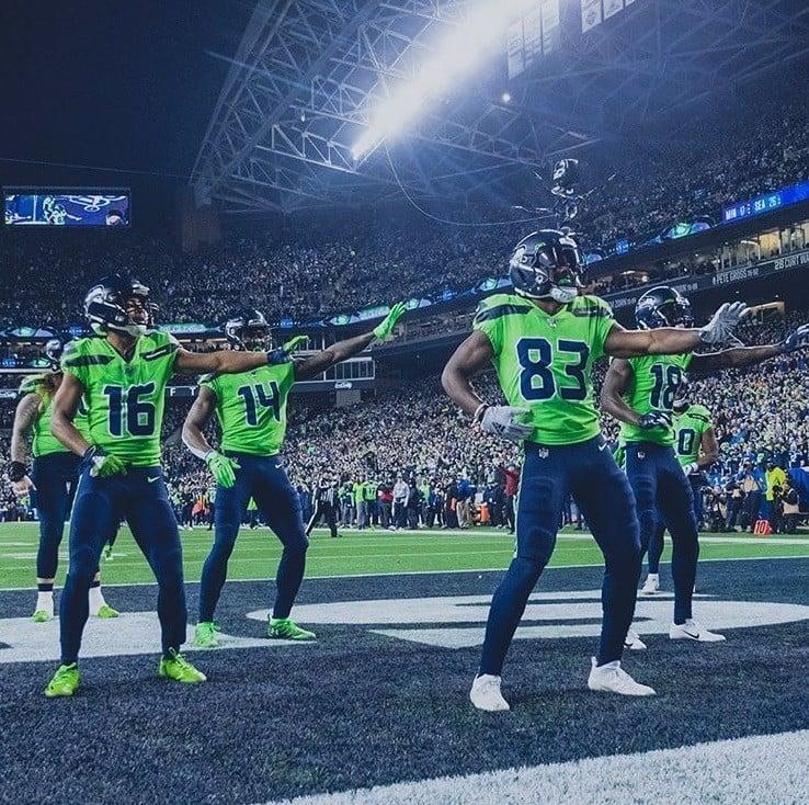 Seattle Seahawks comemora no MNF contra o Minnesota Vikings