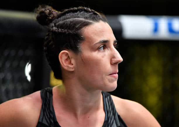 """Após vitória sobre Dern, Marina Rodriguez dispara: """"Joanna devia dar espaço para outras meninas que estão batalhando"""""""